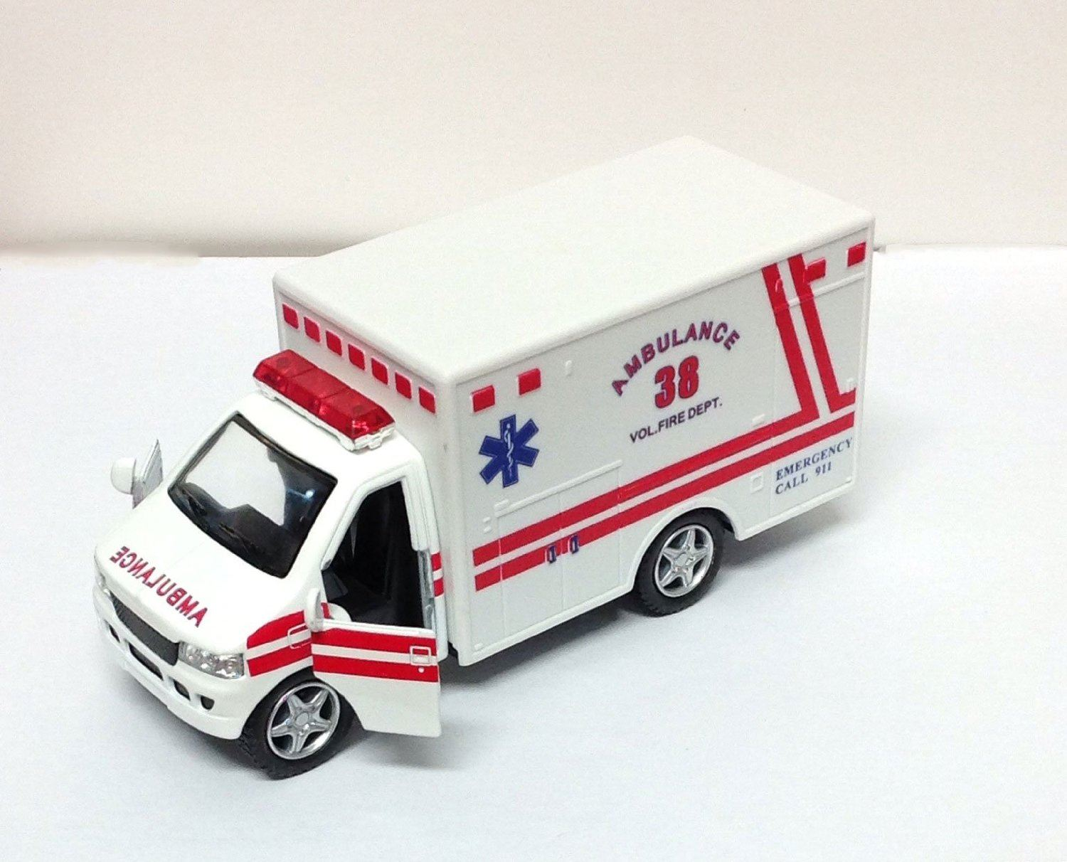 Die Cast Ambulance Rescue Team Truck W/ Open Doors