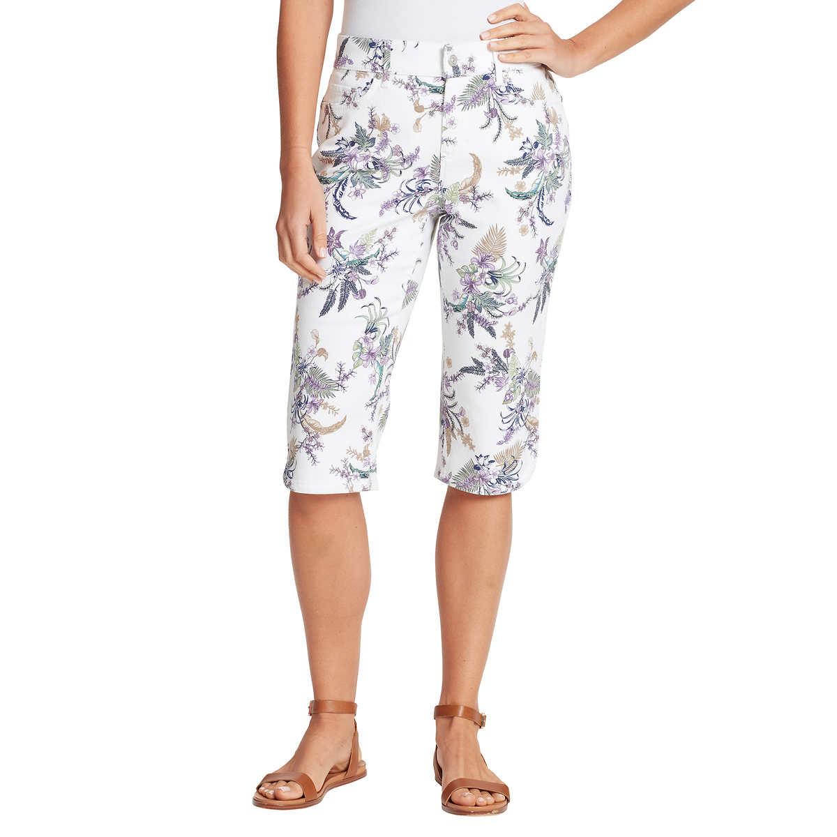Gloria Vanderbilt Ladies' Skimmer Capri - White (Hibiscus Print) 4